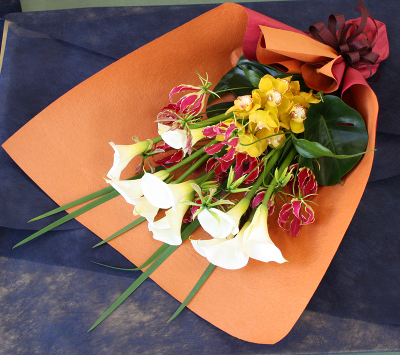 カラーと蘭の花束 BQ-004